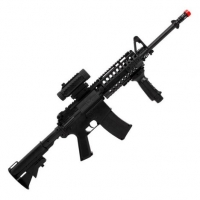 Rifle de Airsoft AEG Colt M4A1 RIS Black + Lanterna + Red Dot Fake - Cybergun