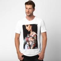 e6ca03369d25d Camiseta MCD Especial Regular Akemi Tattoo Masculina Branca