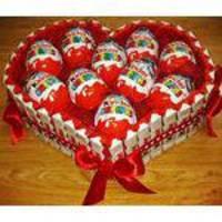 Cesta De Páscoa Com Chocolates Para Namorados Coração Com 10 Kinder Ovo